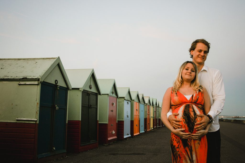 brighton-beach-maternity-photoshoot-18