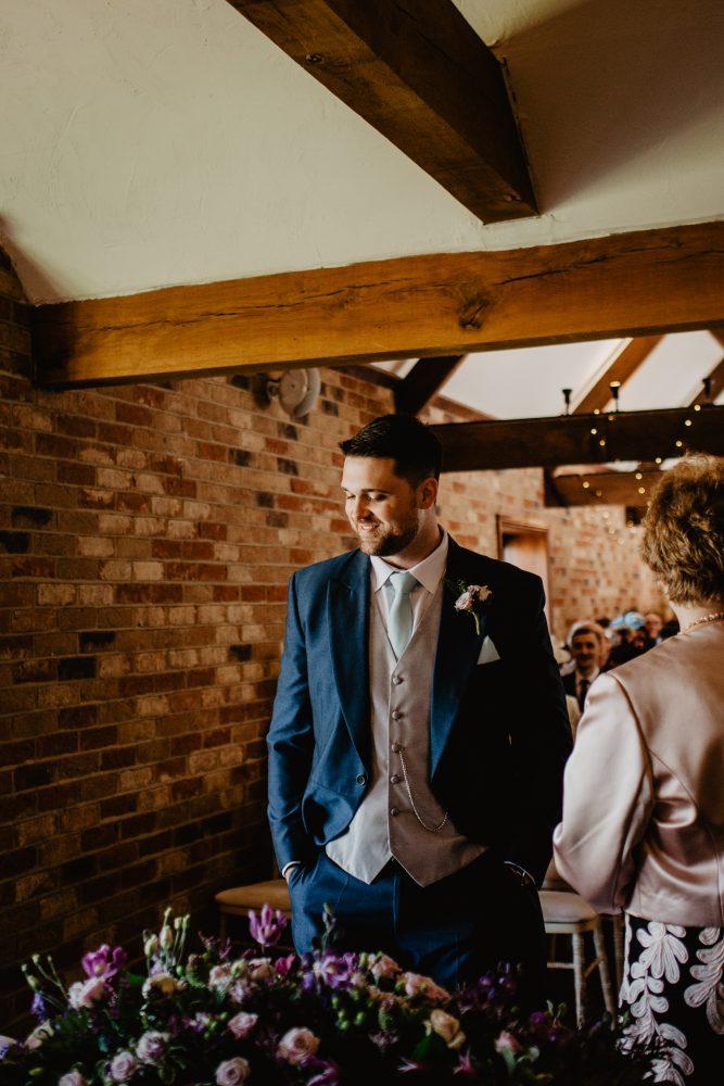 long furlong barn wedding 12