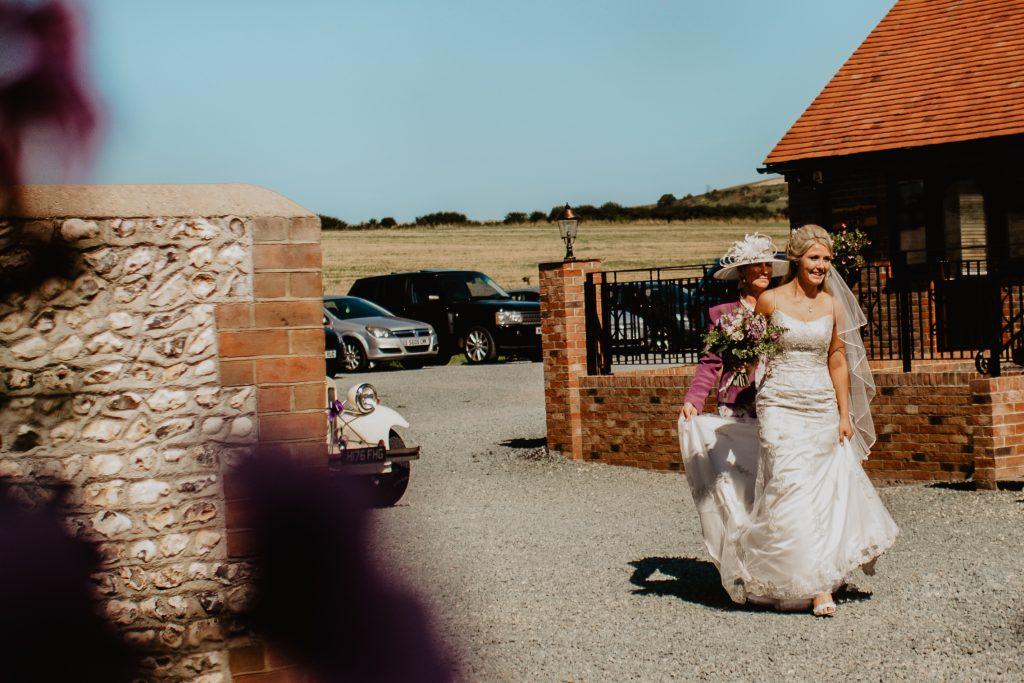 long furlong barn wedding 22