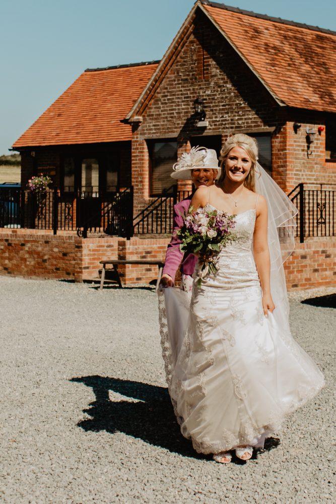 long furlong barn wedding 23