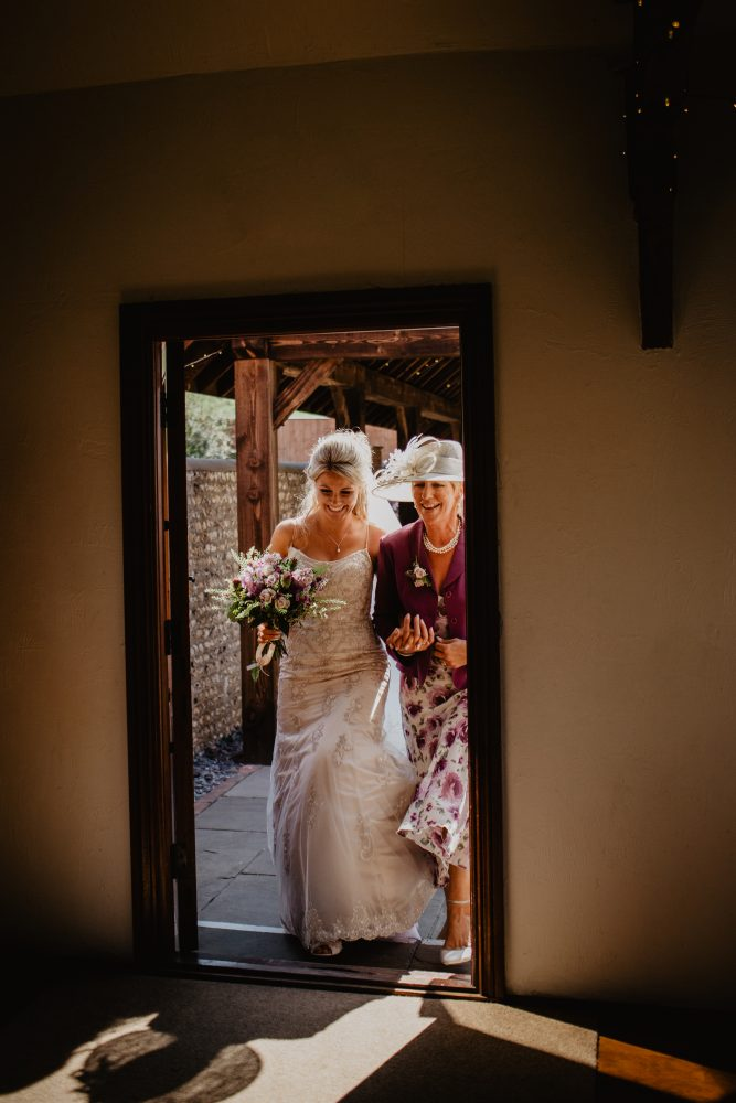 long furlong barn wedding 27