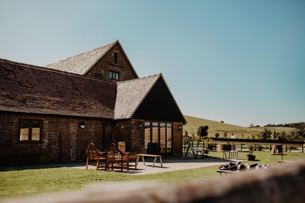 long furlong barn wedding 9