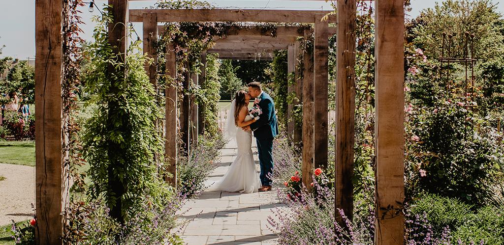 Field Place Wins Wedding Award