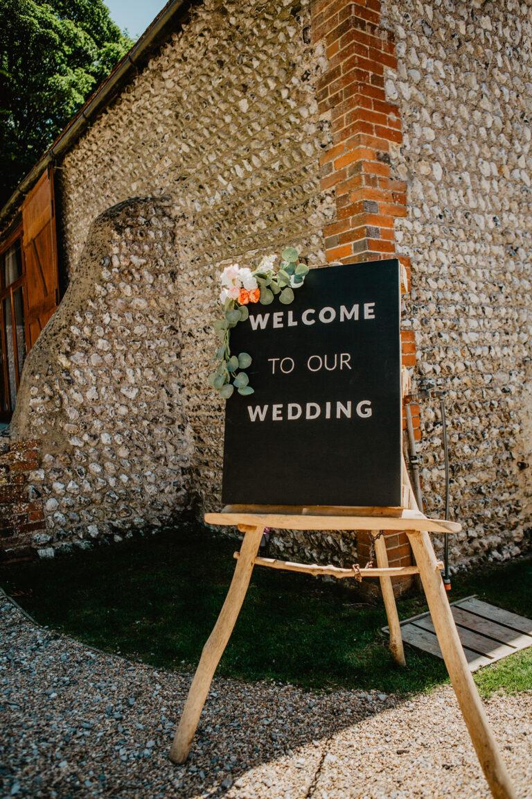 cissbury barn wedding photography 15