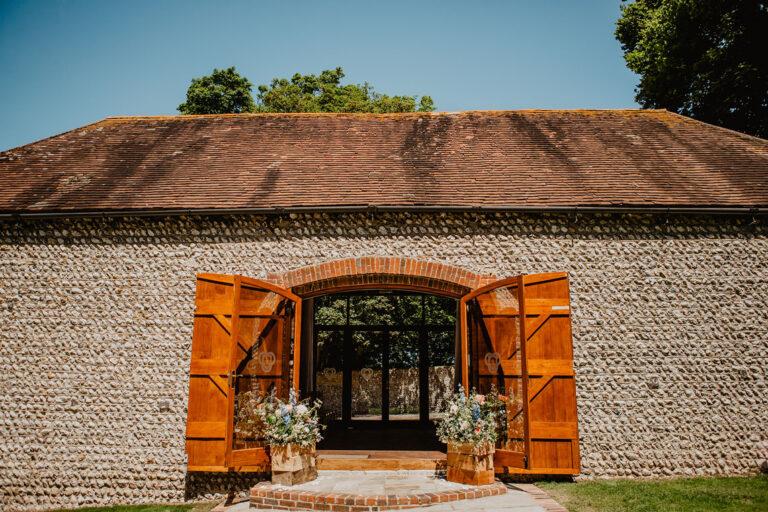 cissbury barn wedding photography 16