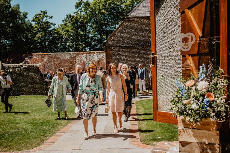 cissbury barn wedding photography 19