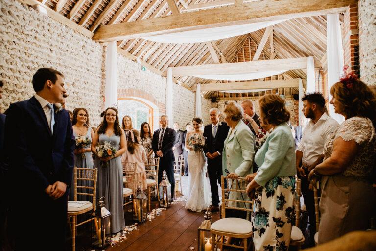 cissbury barn wedding photography 24