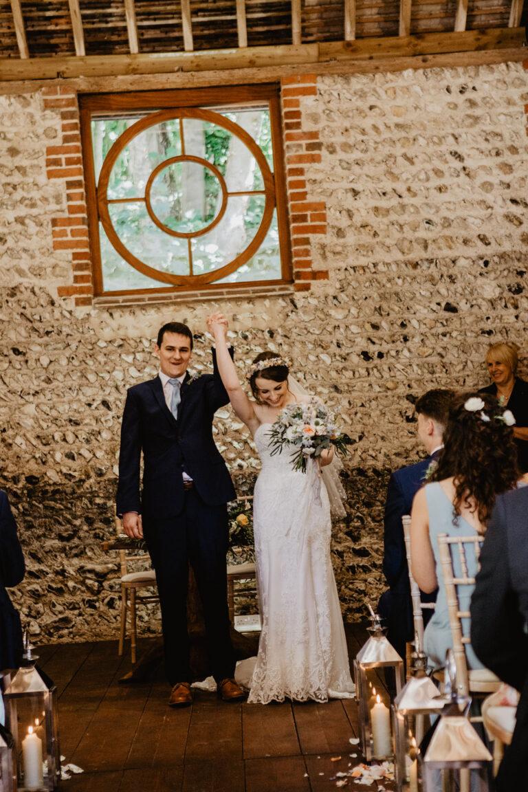 cissbury barn wedding photography 31